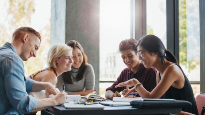 7 Best Hobbies for College Students-toptipsforher.com